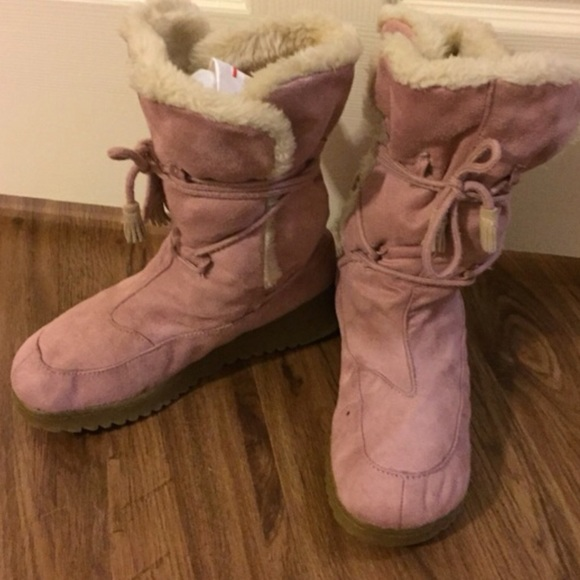 Pink Aeropostale Ugg Style Snow Boots